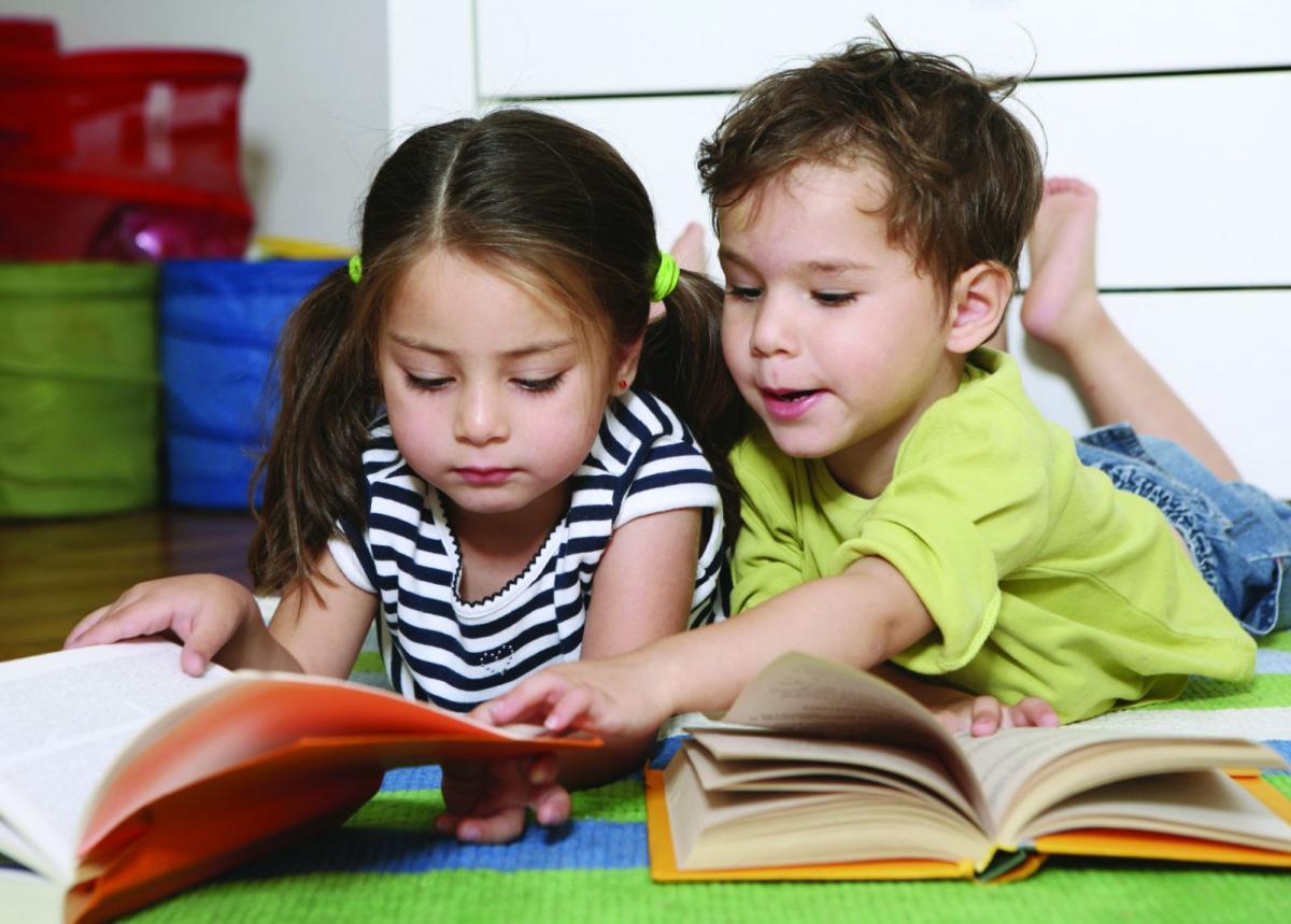 7 cách giúp trẻ yêu thích đọc sách
