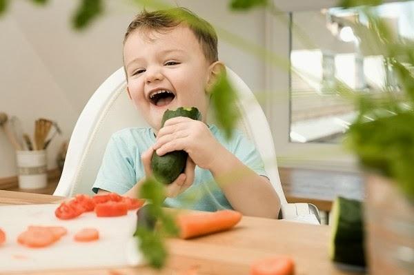 Để trẻ thích ăn rau, quá đơn giản!