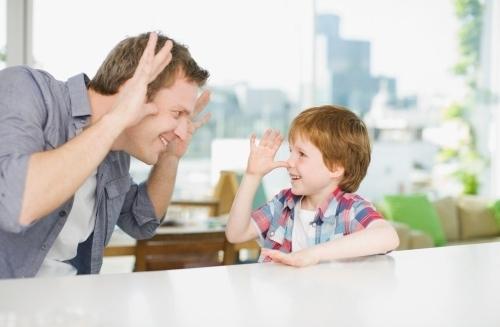 Cách để cha mẹ trò chuyện với con