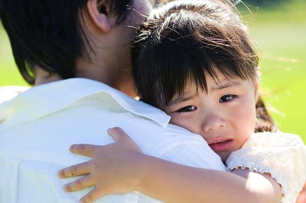 Giảm nỗi lo lắng về sự chia xa của trẻ 5 tuổi